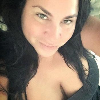 sexdate met Adina