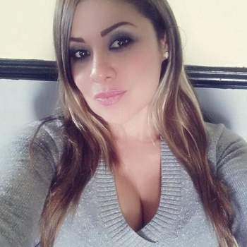 sexdate met Anoushka