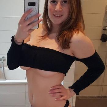 sexcontact met PeepShowNina