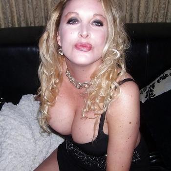 seksdate met hotblonde