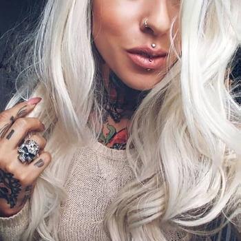 sexdate met Needles_Pins_Tattoo