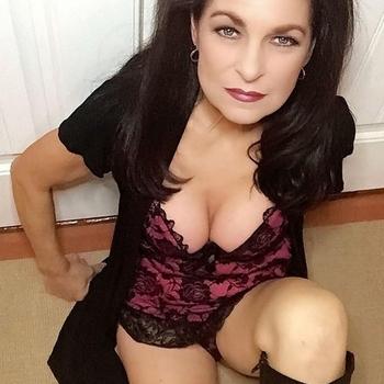 sexdate met kledingmakendevrouw