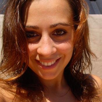 sexdate met brunette_Deborah